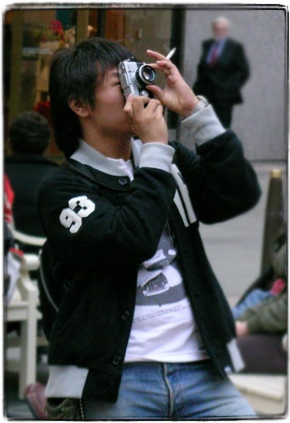 smokingjapanesephotographer1fl.jpg