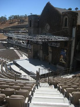 The stage at Mountain Winery - THEFLIRTYGUIDE.BLOGSPOT.COM