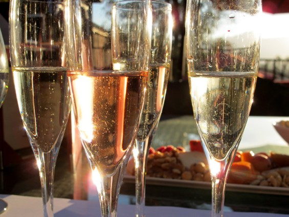 The sunset on the Oak Terrace with a cheese plate and a few glasses of sparkling wine - LOU BUSTAMANTE