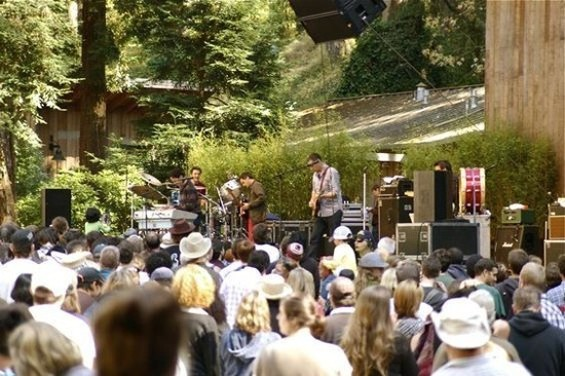 They Might Be Giants performing at Stern Grove in 2010.