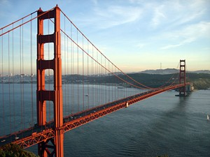 This is one day when the Golden Gate doesn't look so pretty - RICH NIEWIROSKI JR. VIA WIKIMEDIA