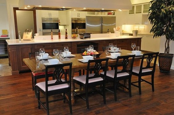This is the kitchen you won't be able to see while eating dinner. - ITK CULINARY