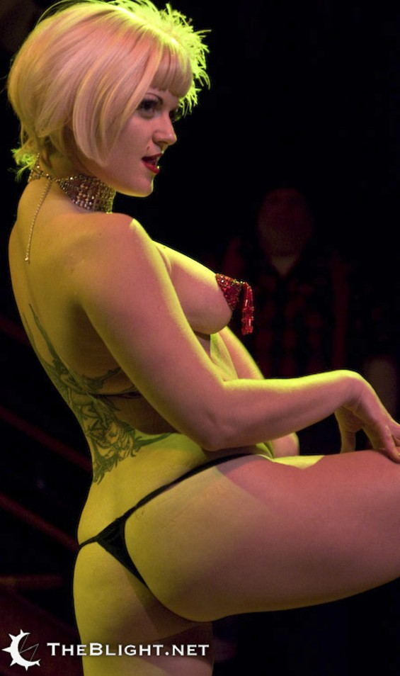 Too Lewd for SF? Flame Cynders performing at the DNA's Hubba Hubba Revue - NEIL GIRLING, WWW.THEBLIGHT.NET