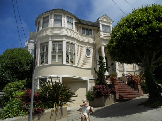 "The iconic ""Mrs.Doubtfire"" home. - WIKIPEDIA"