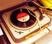 turntable_thumb_300x257_thumb_200x171.jpeg