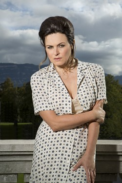 Anna Caterina Antonacci as Cesira - CORY WEAVER/ SAN FRANCISCO OPERA