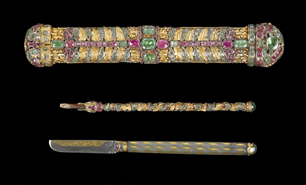Jeweled gun pen box and accessories - THE WALTERS ART MUSEUM, BALTIMORE.