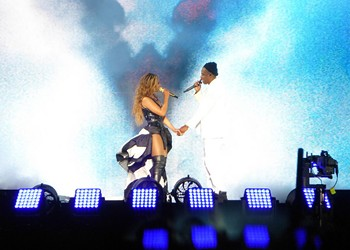 Woman Who Attended Beyoncé, Jay Z Concert at AT&T Park Sues Over Collision