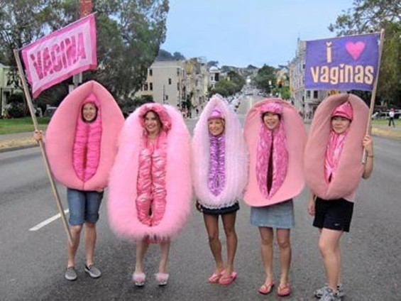 Vagina Lady Costumes at Bay to Breakers 2008