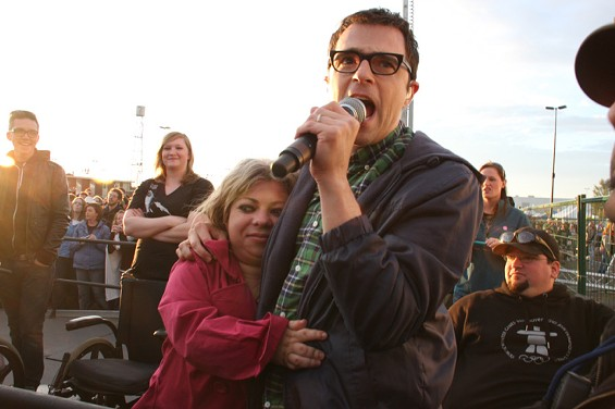Weezer's Rivers Cuomo tries to hug fans into believing he never hated Pinkerton