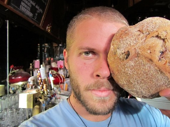Would you buy bread from this man? You should. - JOSEYBAKERBREAD.BLOGSPOT.COM