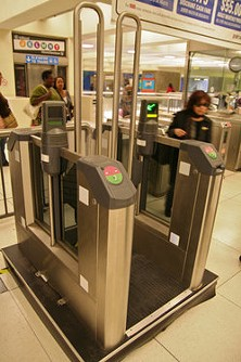You needn't be Houdini nor Capone to elude this fare gate - MICHAEL RHODES, SF STREETSBLOG
