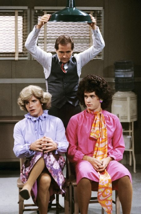 Yes, thats Tom Hanks on the right.