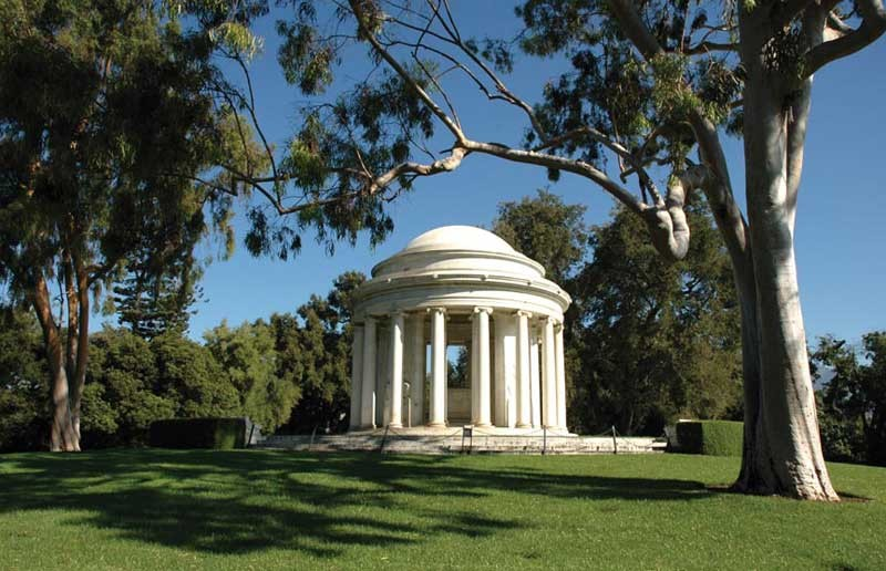 Arabella and Henry Edward Huntington's imposing mausoleum at San Marino, Calif., designed by John Russell Pope. - THE HUNTINGTON LIBRARY, ART COLLECTIONS, AND BOTANICAL GARDENS