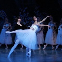 """In """"Giselle,"""" choreographed by Malcolm Burn, Thomas Garrett's Albrechtsteps lightlywith Shira Lanyi's ghostlytitle character. Photograph by Sarah Ferguson / Richmond Ballet."""