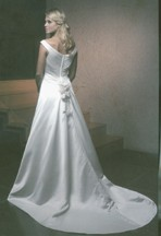 07-b_unique_bride_w_rose_bk.jpg