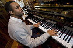 Richmond pianist Larri Branch