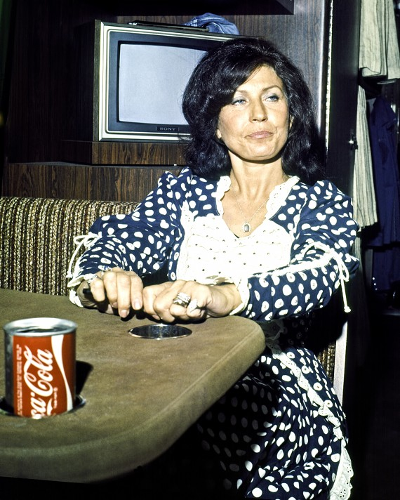 Loretta Lynn touring in 1975 with Coke.
