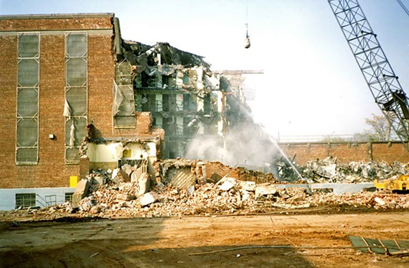 An image of the demolition of Virginia State Penitentiary's B building taken in the early 1990s.