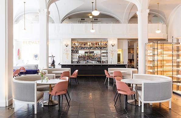 Lobby Bar in Quirk Hotel