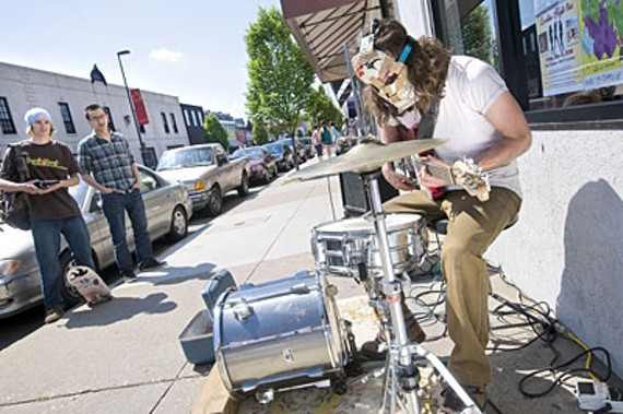 Local artist Gull has a strong online presence for his amazing one-man-band approach.
