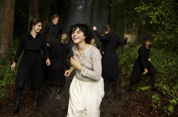 """""""La Danseuse"""" offers a biography of dancer and choreographer Loie Fuller, played by singer and songwriter Soko."""