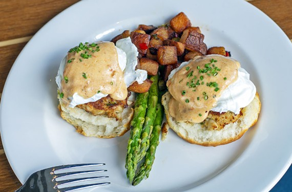 boathouse_crabcake_bene.jpg