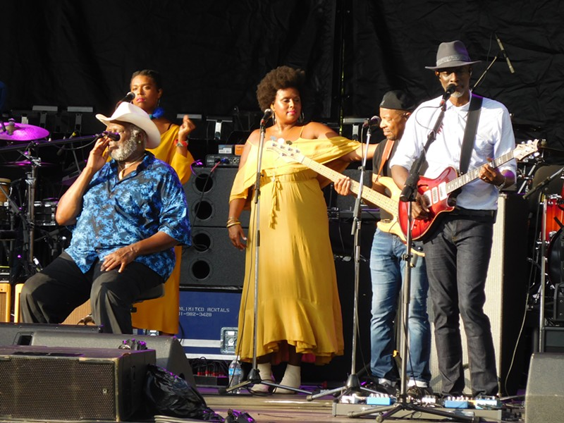 The legendary Taj Mahal (seated), his daughters, and Keb' Mo' at the Richmond Jazz Festival at Maymont.