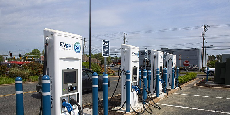 There are roughly 600 charging stations for electric vehicles in Virginia – mostly in the Washington suburbs. Here, a charging station is pictured at Willow Lawn in Richmond.