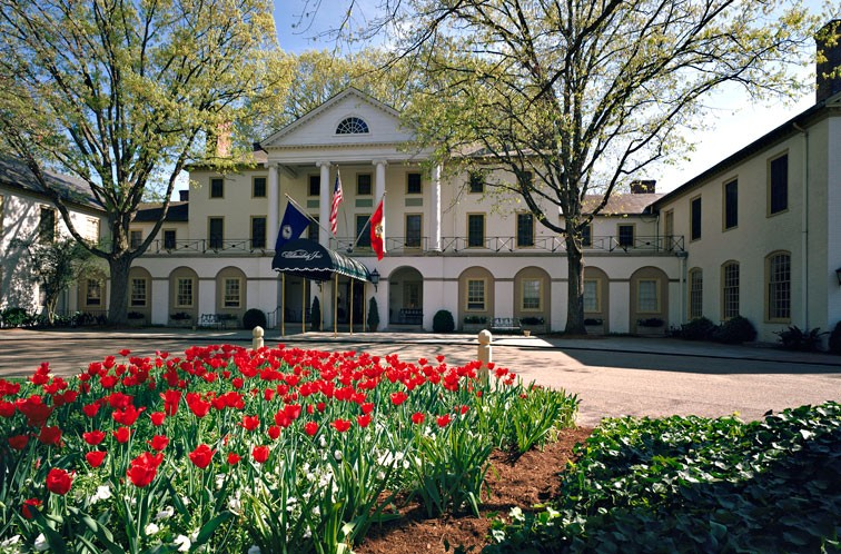 If you decide to stay the night, the Williamsburg Inn has 62 elegant rooms to choose from. - VIRGINIA TOURISM CORPORATION