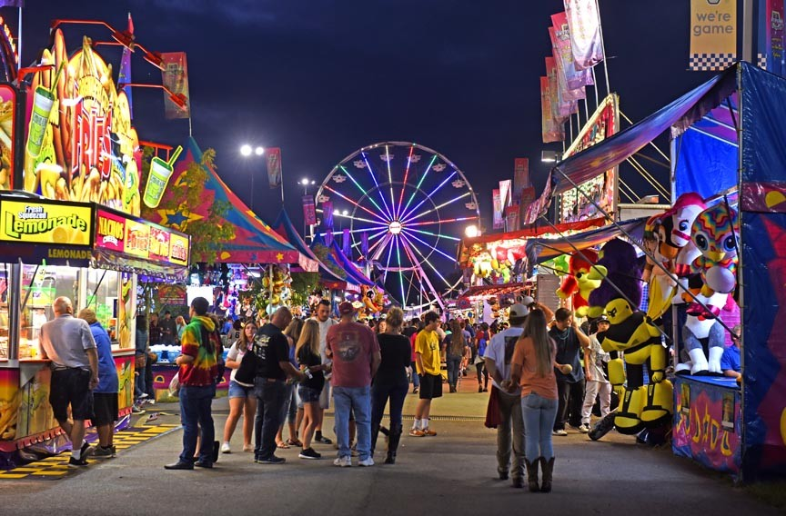 Virginia State Fair >> Grit And Glitter Faces Of The State Fair Of Virginia Cover Story