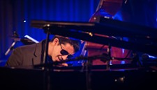 Preview: Backed by top local players, blind jazz pianist Justin Kauflin to perform at Tin Pan