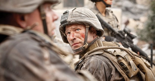 Aaron Eckhart goes to Battle