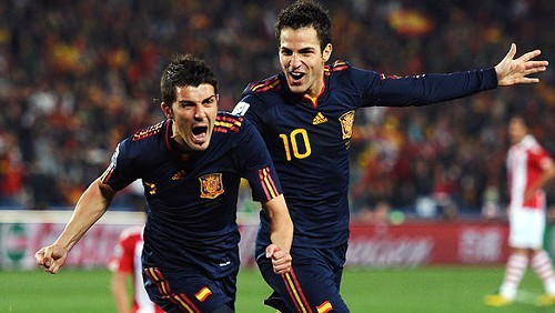 David Villa sends Spain to the Semis