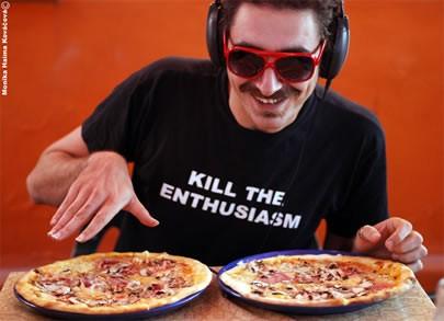 hey, look, its DJ Pizza!