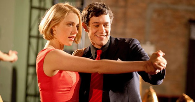 I would be looking slightly more stoked to be dancing with Seth Cohen if I were Greta Gerwig
