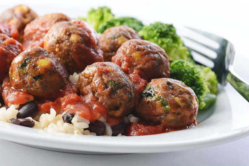 """""""IKEA's new veggie balls with tomato and spinach sauce, bulgur and steamed broccoli."""" - CNW GROUP/IKEA CANADA"""