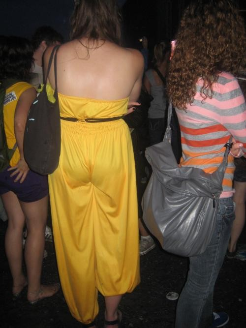 Looking around I spotted at least ten Karen O wannabees and THIS girl who needs to give Aladdin his clothes back.