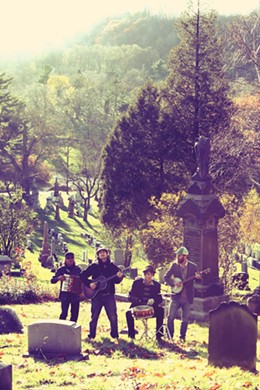 19.10_shortlist_music_ol-savannah-photo1b.jpg