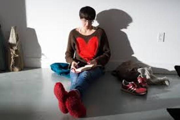 Tanya Davis on the set of Heartbeat - MIKE TOMPKINS