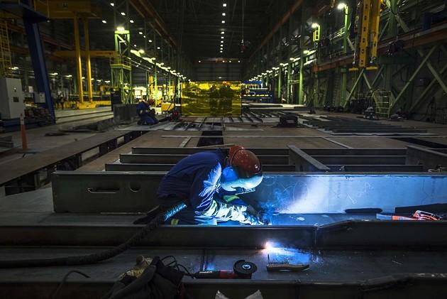 At work inside the Halifax Shipyard. - VIA UNIFOR