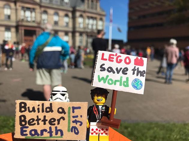 VIA @LEGO.ADVENTURES_ INSTAGRAM
