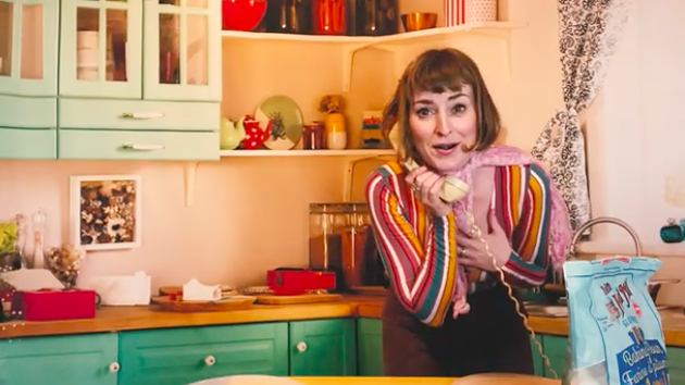 A still from Jenny Town, the retro-fabulous new weekly show by Jenn Grant.