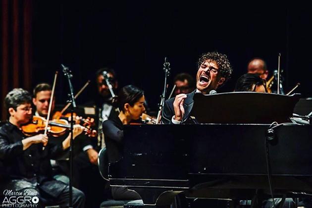 Rich Aucoin with Symphony Nova Scotia - MARTIN BLAIS
