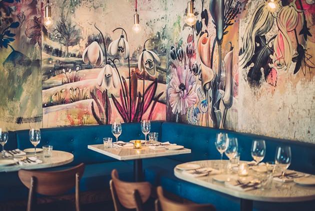 A cozy side-room features original panels by artist Jean Bradbury - PHOTOTYPE
