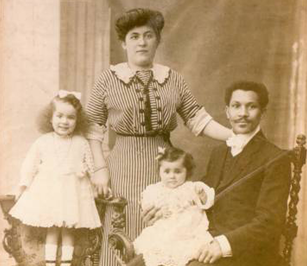 Joseph Philippe Lemercier Laroche and his family. - ENCYCLOPEDIA TITANICA