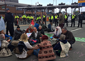 Extinction Rebellion shuts down Macdonald bridge