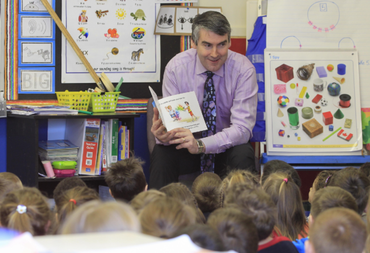 Premier Stephen McNeil reading to students. - VIA THE PREMIER'S FACEBOOK