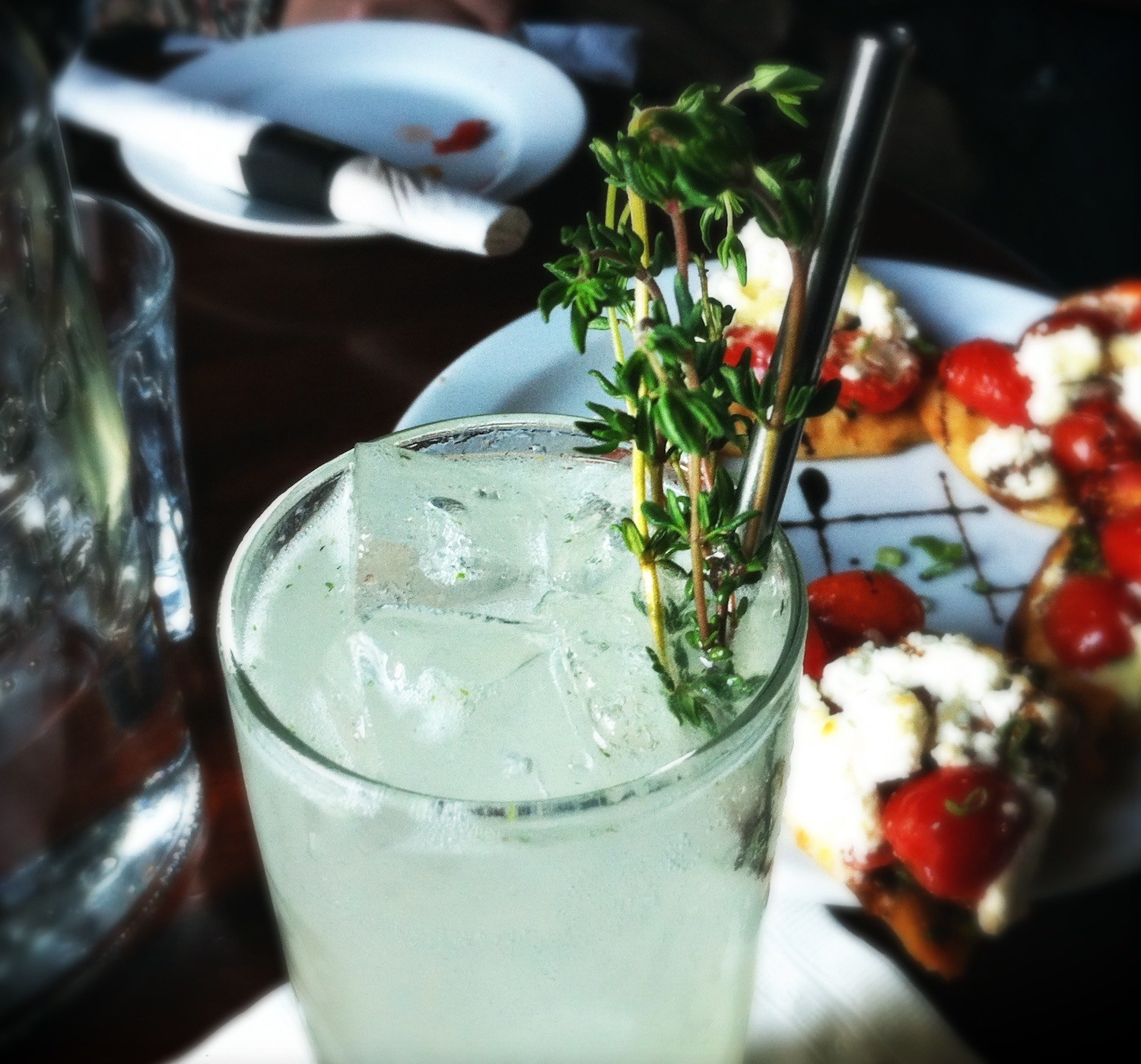 Cocktails and summer nosh at The Drawing Room.