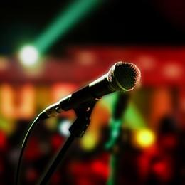 microphone-hot.jpg